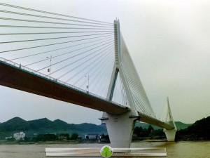 پل-کابلی-سازه-پیشتنیده-بر-روی-رود-یانگتسه